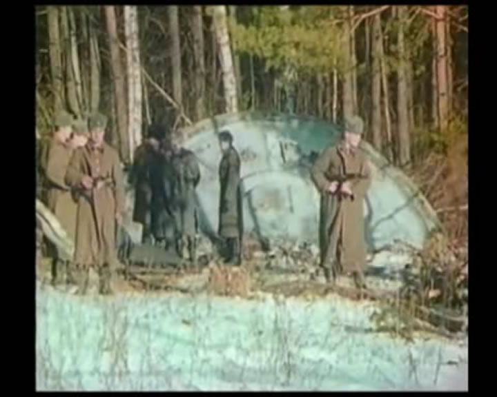 http://www.alienvideo.net/0702/img/06-12/russian-ufo-crash-video-screenshot-07.jpg